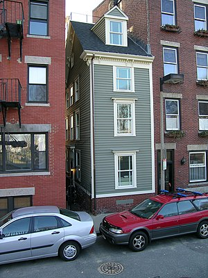 English: The en:Skinny House in the North End ...