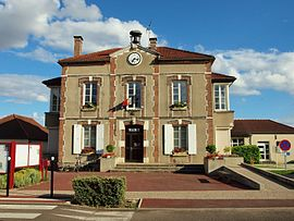The town hall in Soucy