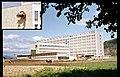 Spital si policlinica - Spital, policlinica, vedere generala, statuie Onesti.jpg