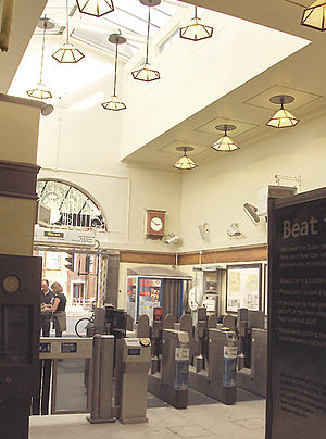 Stamford Brook tube station - Image: Stamford Brook 4