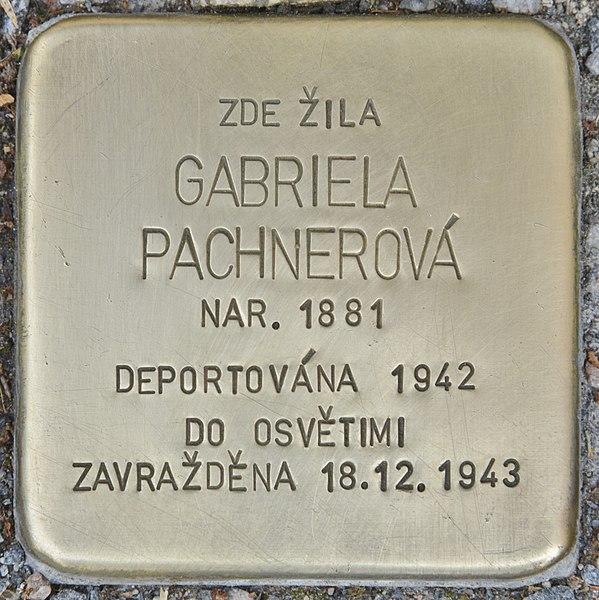 File:Stolperstein für Gabriela Pachnerova (Chrudim).jpg