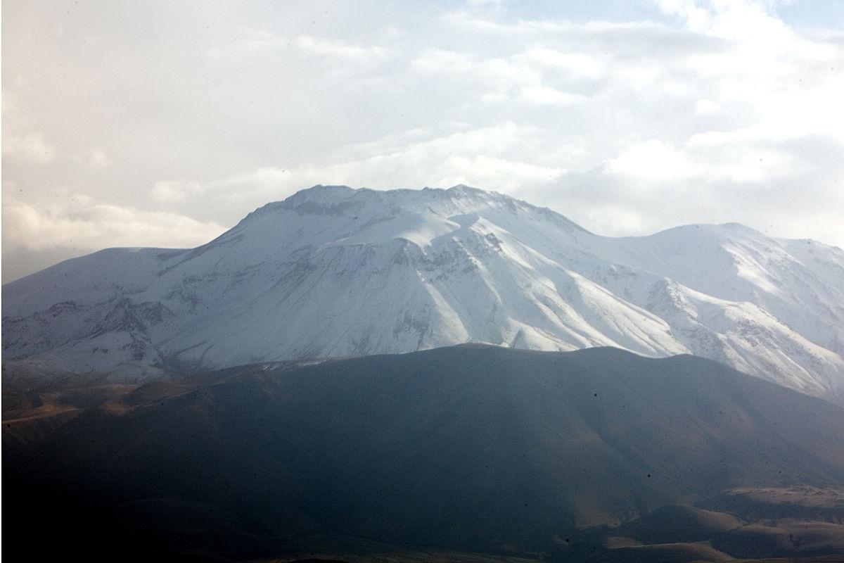 Mount Süphan - Wikipedia