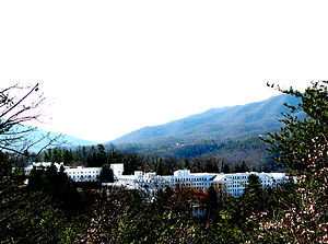 The Greenbrier - Image: THE GREENBRIER WHITE SULPHUR SPRINGS, WV copy