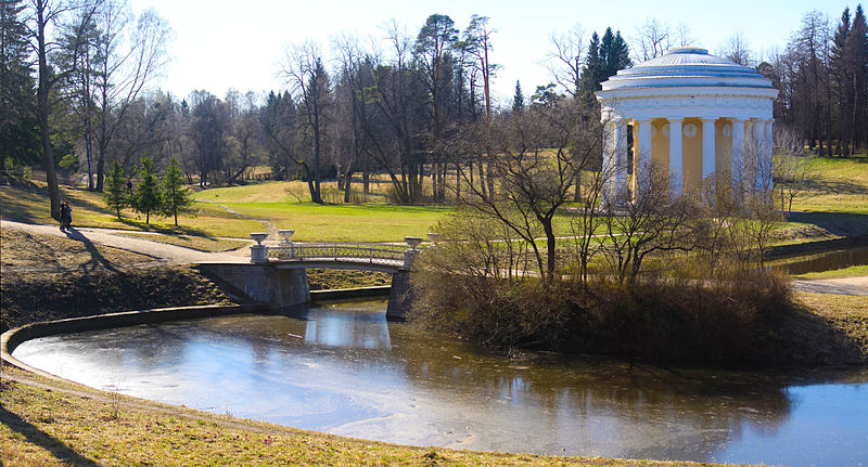 File:Temple of Friendship in Pavlovsk.jpg