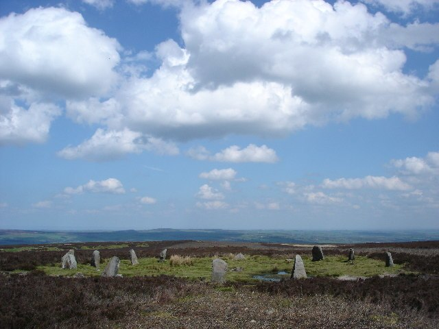 The Twelve Apostles of Ilkley Moor Stone Circle - geograph.org.uk - 12971