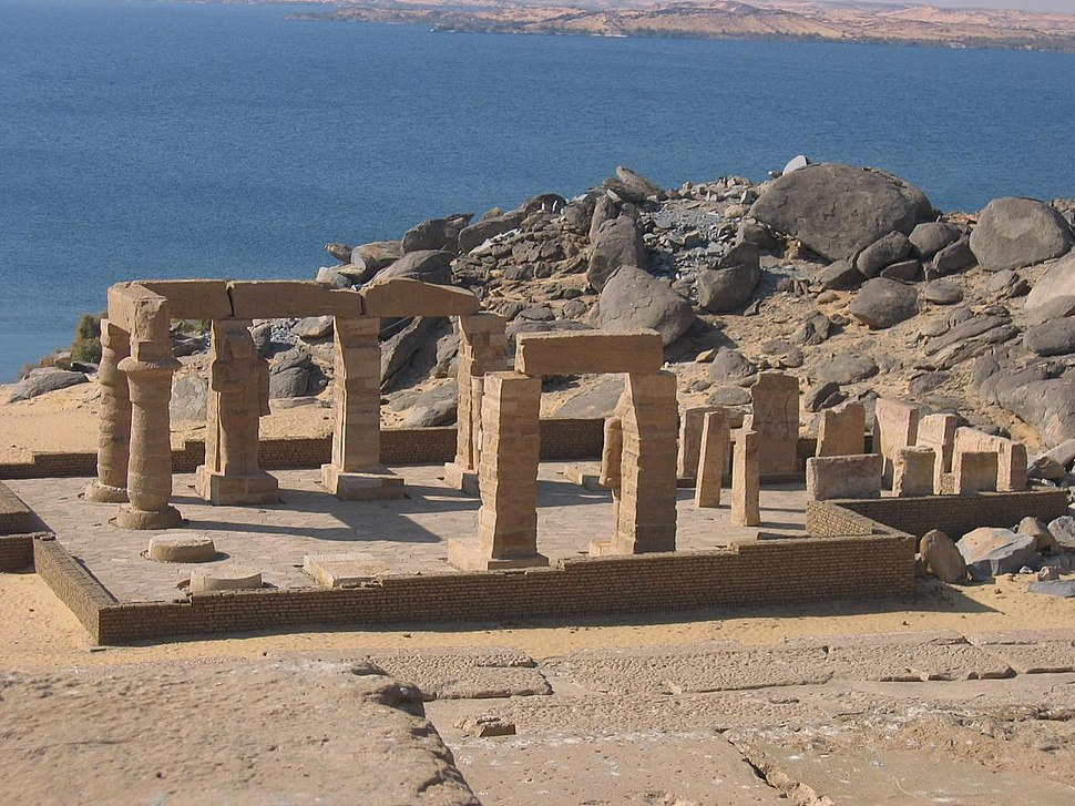 The temple of Gerf Hussein by George Snyder