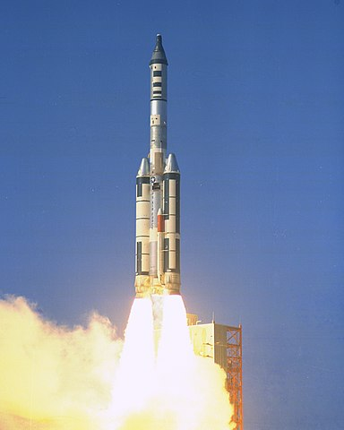 Titan IIIC carrying an unmanned Gemini-B capsule as part of the Manned Orbiting Laboratory program, NASA photoSource: Wikipedia 384px-Titan-3C_MOL-Gemini-B-Test_3.jpg