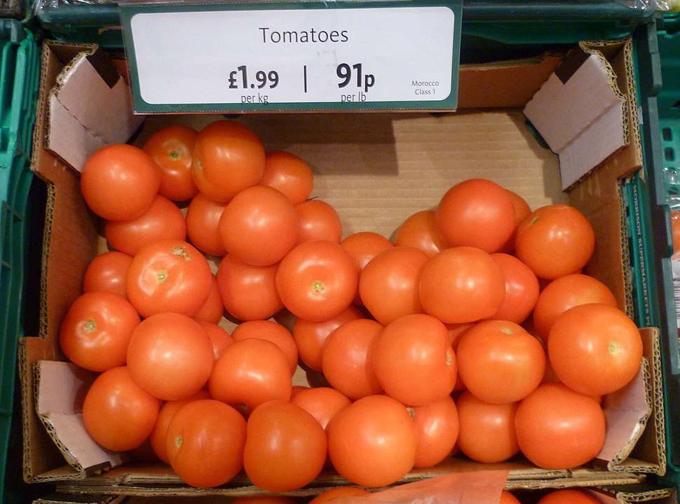 Tomatoes for sale in a UK supermarket 2013