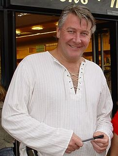 Tommy Walsh (builder) British builder and television presenter