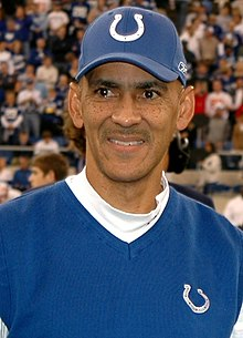 Description de l'image  Tony Dungy award cropped.jpg.