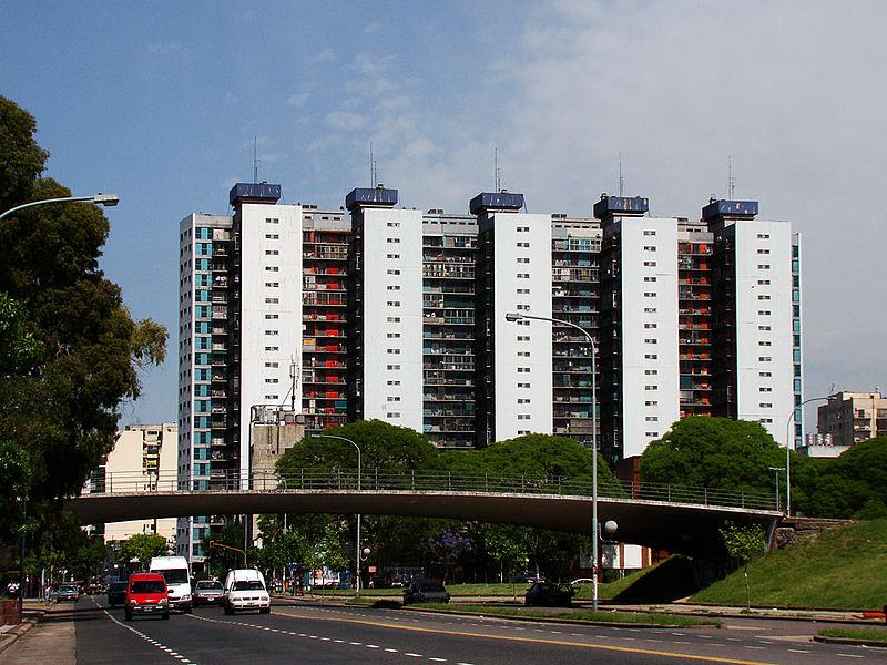Torres de Matheu desde Avenida Brasil.jpg