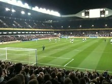 Datoteka:Tottenham fans singing to Sol Campbell.ogv