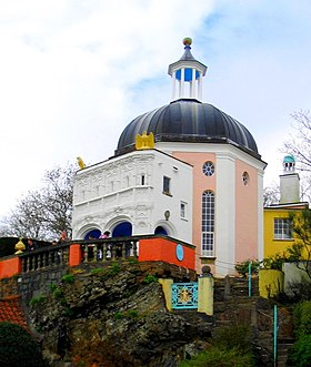 http://upload.wikimedia.org/wikipedia/commons/thumb/8/88/Town_hall_at_Portmeirion2.jpg/280px-Town_hall_at_Portmeirion2.jpg