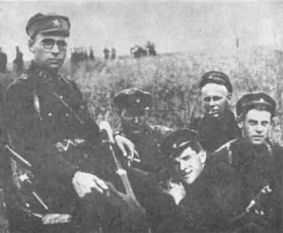Toivo Vähä (top middle) pictured with other Soviet guards. Vähä brought Reilly across the Soviet-Finnish border and delivered him to OGPU officers.