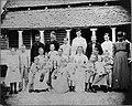 Tropenmuseum Royal Tropical Institute Objectnumber 60006593 De boeren kolonisten familie Van Brus.jpg