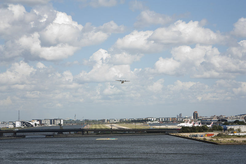 File:Turboprop taking off LCY (eastbound, toward Central London). 2011.jpg