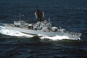 Garcia-class frigate - Image: USS Davidson (FF 1045) underway on 1 July 1986 (6421920)
