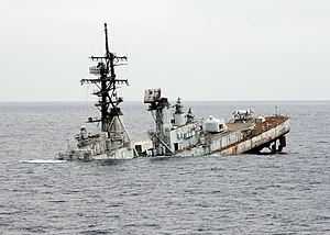 USS Towers (DDG-9) sinking Pacific Ocean after being used as a target, 9 October 2002 (021009-N-8590B-005)