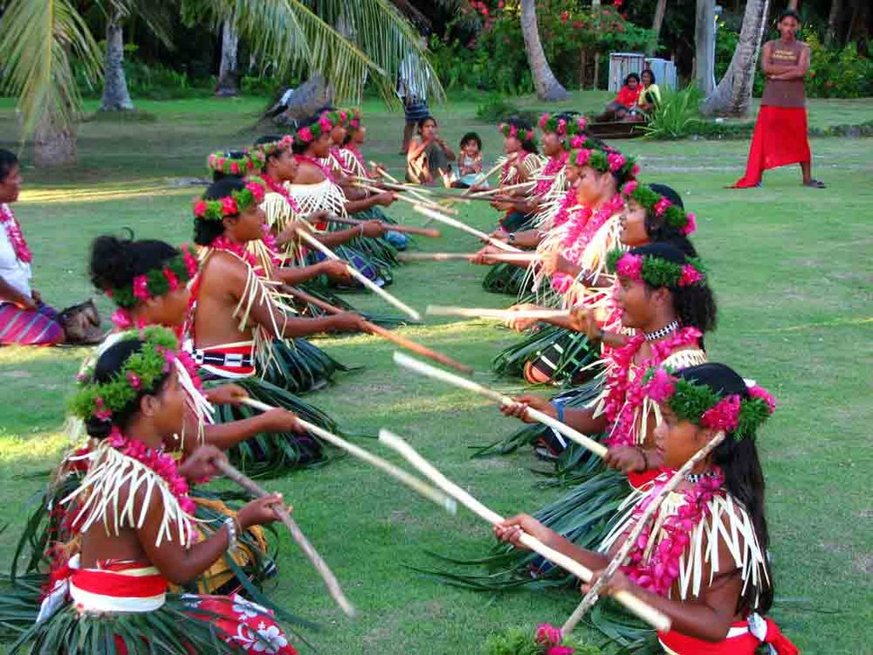 Ulithi-Dancers