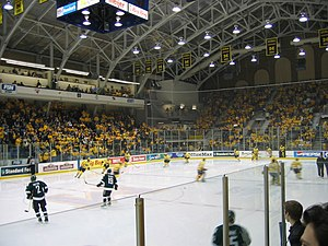 Michigan Wolverines men's ice hockey - Interior of Yost Ice Arena