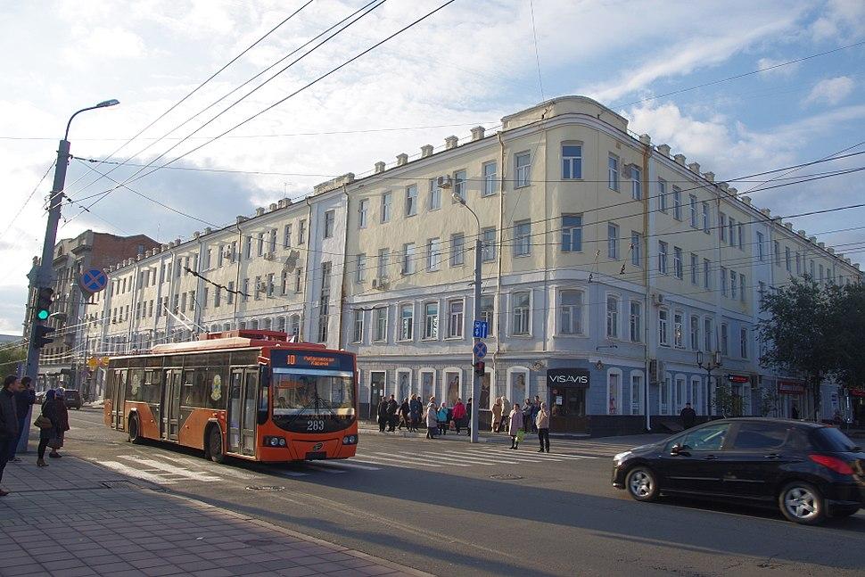 VMZ trolleybus in Orenburg centre (15437607256)