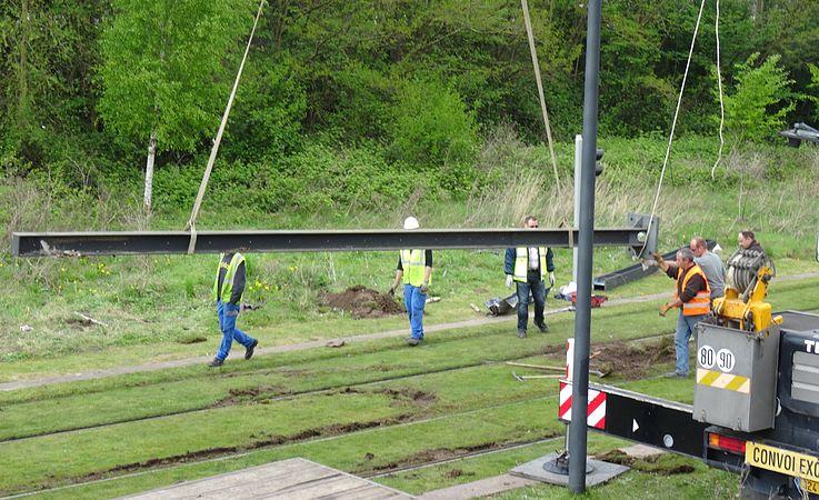 Valenciennes & Anzin - Déraillement de la rame de tramway n° 17 à la sortie du dépôt de Saint-Waast le 11 avril 2014 (106).JPG