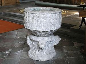 Majestatis - Image: Valleberga church baptismal font