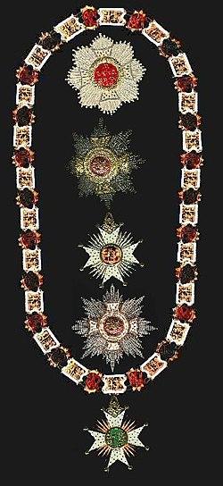 Versierselen van de Ordevan Sint Hubertus.jpg