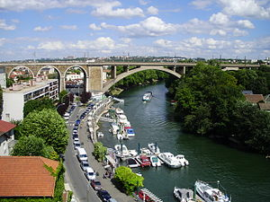 Le Perreux-sur-Marne - The railway bridge in Nogent-sur-Marne