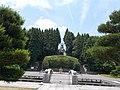 View of Koen Daibosatsu Buddha statue and Gokuraku-bashi Bridge from Niomon.jpg