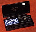 Vintage Simplex Military Bakelite Safety Razor Set By The Federal Razor Blade Company Of New York, Supplied To US Servicemen During World War II, Circa 1944 (40717880175).jpg