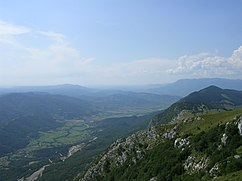 Vipava valley from Nanos.jpg