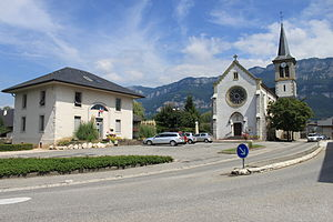Viviers-du-Lac - The town hall and church in Viviers-du-Lac