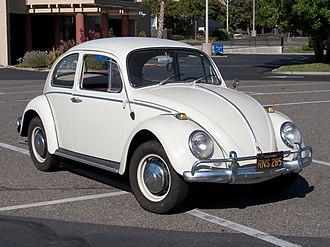 Rear-engine, rear-wheel-drive layout - Image: Volkswagen Beetle 001
