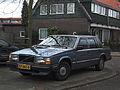 Volvo 740 GLE Automatic (12347344035).jpg