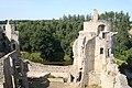Vue d'une des tours du chateau de la Hunaudaye.JPG