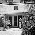 Wachtpost voor de ambtswoning van de president van Israel met boven de ingang he, Bestanddeelnr 255-4241.jpg