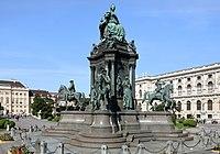 Wien - Maria-Theresien-Denkmal (2).JPG