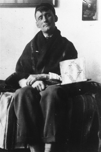 Willem Arondeus - Arondeus on holiday on the island of Urk, 1921.