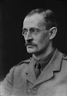 Spectacled man in First World War uniform