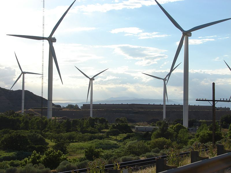 File:Wind turbines mouth of Spanish Fork Canyon, closer view, Jul 15.jpg