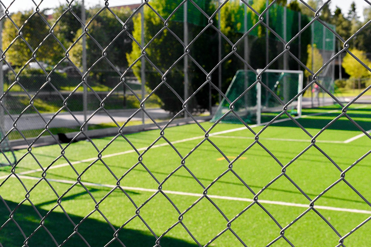 File:Wire Fence and Soccer Field-148952.jpg - Wikimedia Commons