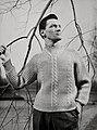 Zelfgebreide trui met v-hals - Home knitted V-necked sweater (4106588198).jpg