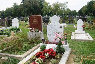 Vienna Central Cemetery - Image: Zentralfriedhof Islamische Gräber