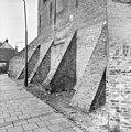 Zijlpoort, steunberen, zijgevel - Leiden - 20133777 - RCE.jpg