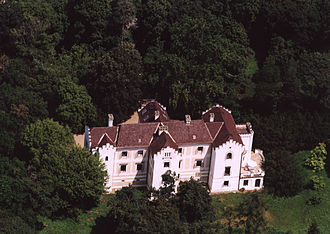 Ferenc Békássy - Aerial photograph of family home at Zsennye