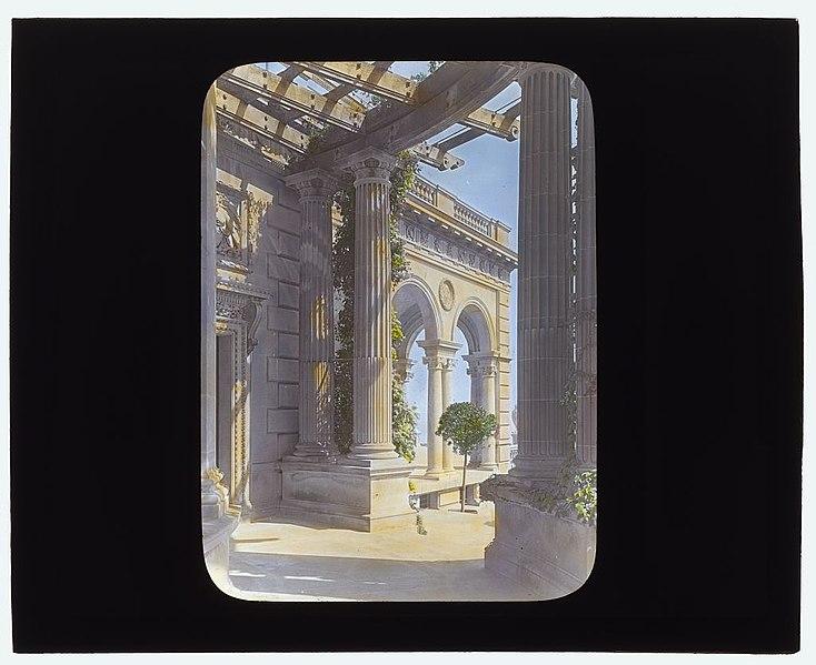 "File:""The Breakers,"" Cornelius Vanderbilt II house, 44 Ochre Point Avenue, Newport, Rhode Island. LOC 7725117196.jpg"