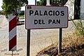 «Palacios del pan» - ¿Vino este nombre por transformación de algún arcaísmo, o tan solo es que aquí se cuece pan del bueno - panoramio.jpg