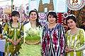 Девушки из Гиссара (Гиссар, Таджикистан).JPG