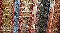 نمای سقف چوبی اتاق جلویی ضریح.jpg